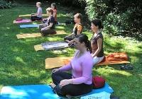 yoga-im-garten-bei-devimata-2008_02