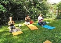 yoga-im-garten-bei-devimata-2008_03
